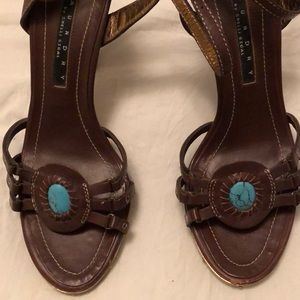 Beautiful leather vintage sandal by laundry